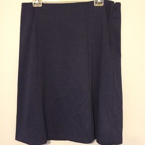 NWOT Navy and grey lined skirt